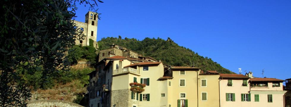scopri i paesi della Contea di Nizza con i nostri pacchetti turistici